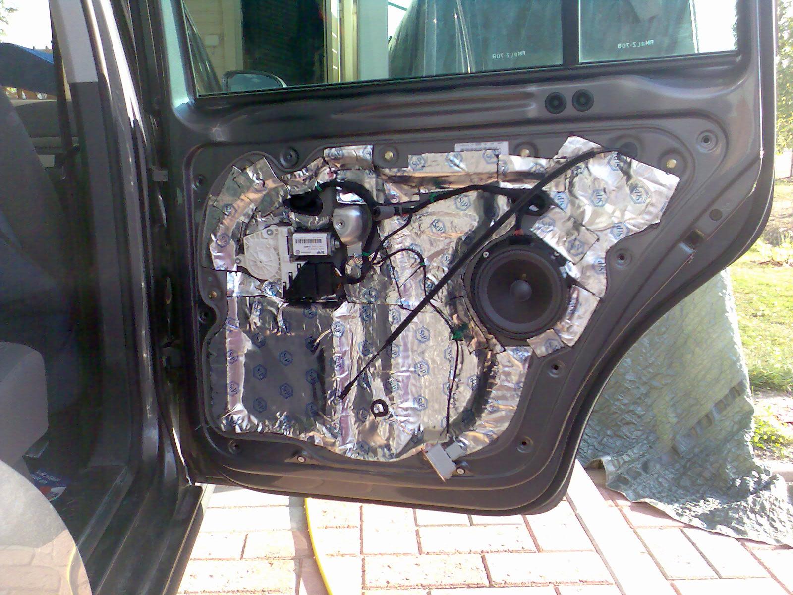 Äänieristys auton oviin